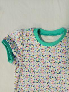Комплект для девочки (футболка+юбка) Зеленый