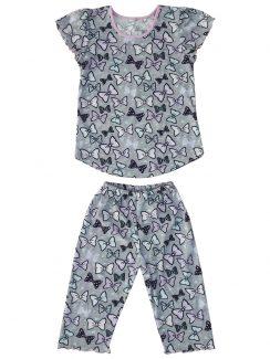 Костюм для девочки футболка и бриджи